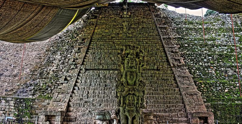 Escalinata Maya