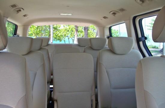 Interior-Vehiculo-de-Transporte-Turistico