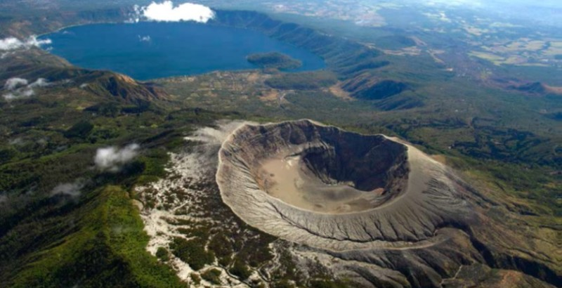 volcanoes tour